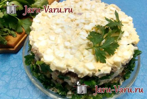 Салат слоёный с шампиньонами и картофелем