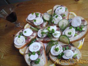 Бутерброды с маринованными анчоусами рецепт