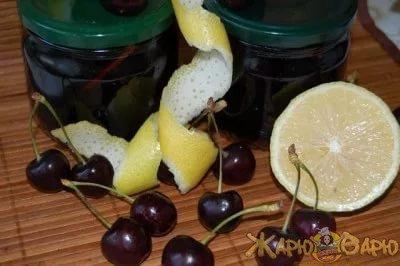 Вишневое варенье с лимоном